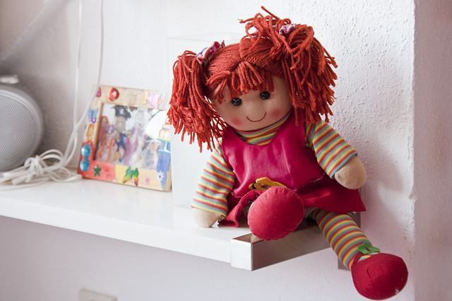 Den første dukken eller kosedyret blir ofte en trofast følgesvenn.